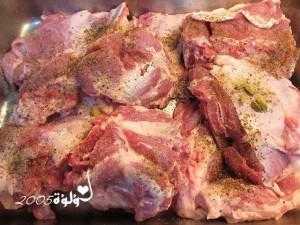 1016 300x225 طريقة عمل مندي اللحم بالفرن بالصور