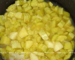 طريقة عمل شوربة كوسة و بطاطس و ريحان