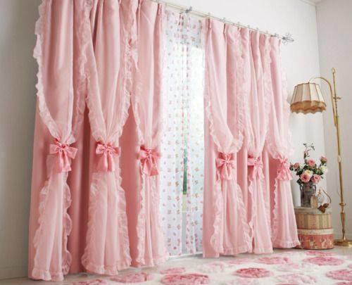 صور ستائر باللون الروز لغرف النوم :