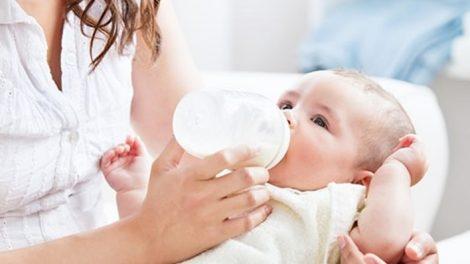 كل ما تودين معرفته عن الرضاعة الصناعية