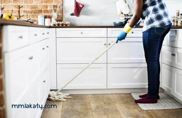 تنظيف أرضيات المطبخ