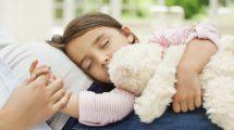فوائد النوم علي الجنب الأيمن