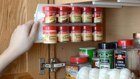 افكار و نصائح تساعدك على ترتيب دولاب المطبخ بسهولة