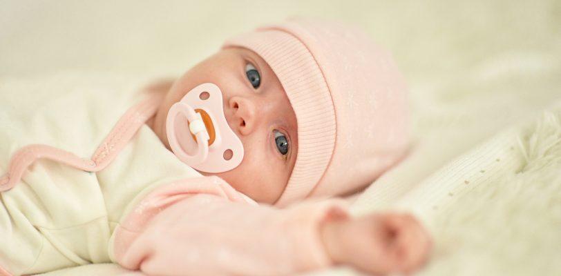 العناية الصحية بالاطفال حديثي الولادة ودليل كامل للعناية برضيعك