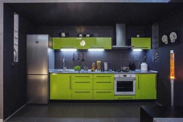 صور ديكور إستوديو سكنى بلمسات اللون الأخضر