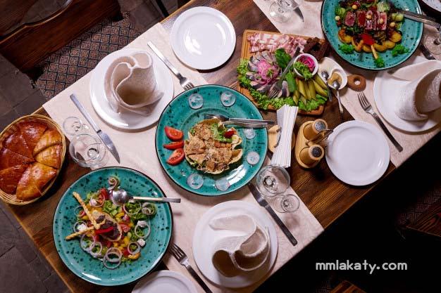 طريقة ترتيب طاولة الطعام للضيوف بيتى مملكتى